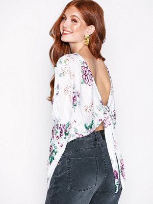 NLY Trend Tie Back Pleated Top Vit/Multi