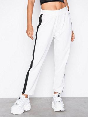 NLY Trend vita byxor Stripe Suit Pants Vit
