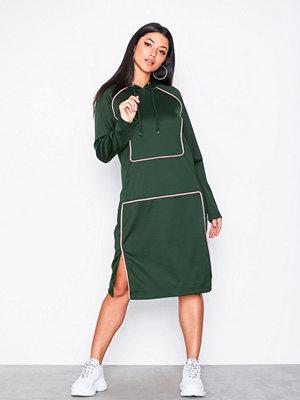 Street & luvtröjor - Noisy May Nmvtilda L/S Hoodie Dress 6 Mörk Blå