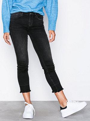 Only onlSUI Reg Slim Ank Dnm Jeans REA44 Svart