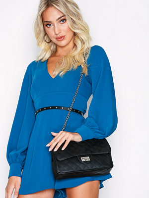 NLY Accessories Quilted Flirty Bag Svart axelväska