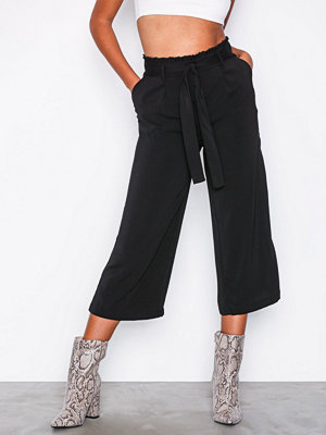 New Look svarta byxor Tie Crop Waist Black