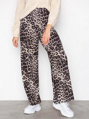 Sisters Point mönstrade byxor Glut Pants Svart/Leopard