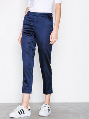 Filippa K marinblå byxor Emma Cropped Shiny Trousers Navy