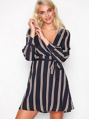 Festklänningar - Sisters Point Gerdo Dress
