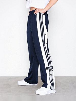 Adidas Originals omönstrade byxor Adibreak Pant Navy
