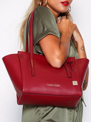Calvin Klein Frame Med Shopper Röd