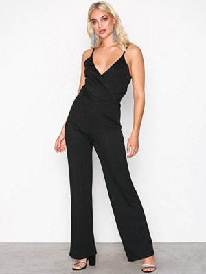 NLY Trend Strappy Solid Jumpsuit Svart