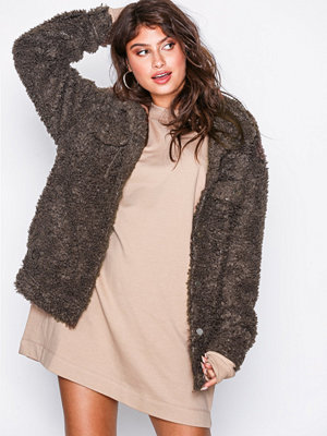 Missguided Oversized Teddy Trucker Chocolate