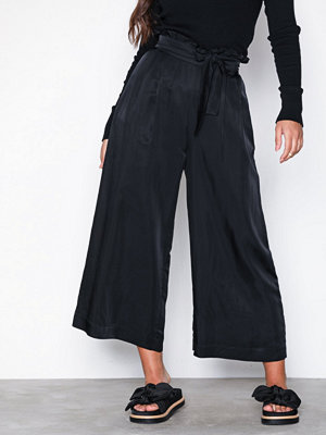 Odd Molly svarta byxor cherish pant Almost Black