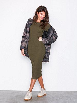 New Look Ribbed Popper Sleeve Midi Dress Khaki