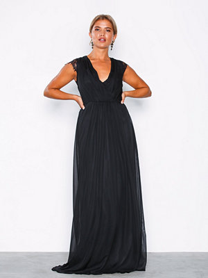 NLY Eve Cap Sleeve Lace Gown Svart