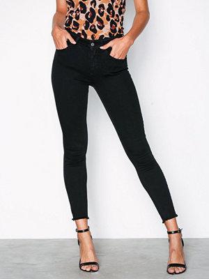 Jeans - Only onlBLUSH Mid Sk Ank Rawjns REA2343 Svart