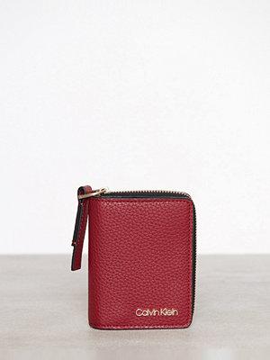 Plånböcker - Calvin Klein CK Base Small Wallet Röd