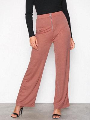 NLY Trend omönstrade byxor Zip Wide Pants Brun