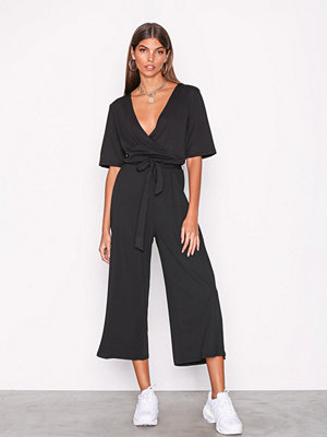 Pieces Pcduna 2/4 Cropped Jumpsuit Svart