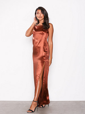 NLY Eve Satin Slit Gown Mahogany