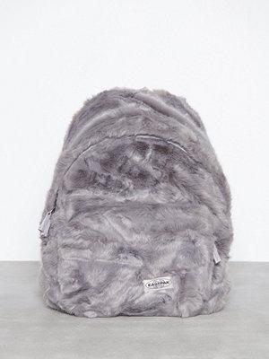 Eastpak ljusgrå ryggsäck Padded Pak'R Grå