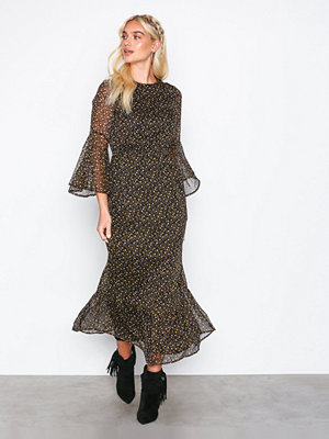 Y.a.s Yaspeque 7/8 Maxi Dress Svart