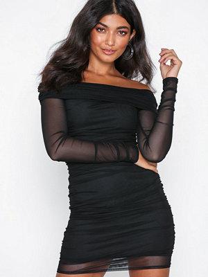 NLY One Mesh Off Shoulder Dress Svart