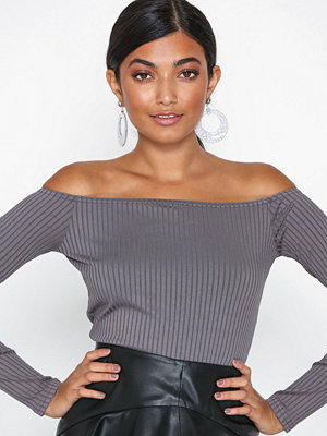 NLY One Off Shoulder Rib Body Grå