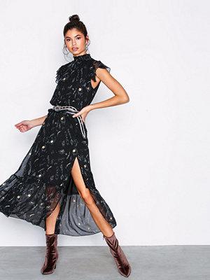 NLY Trend Dreamy Frill Dress Svart/Mönstrad