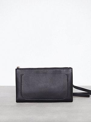 Filippa K Carol Leather Mini Bag Svart axelväska