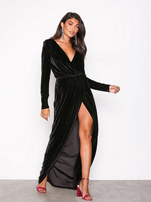 NLY Eve Draped Waist Velvet Gown