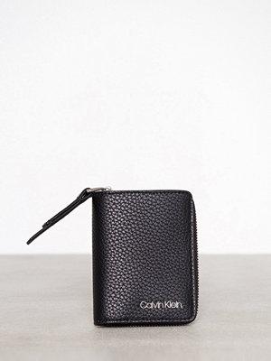 Plånböcker - Calvin Klein CK Base Small Wallet Svart