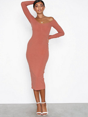NLY One Off Shoulder Rib Dress Rust