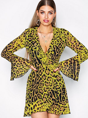 Missguided Leopard Print Ruffel Front Shift Dress
