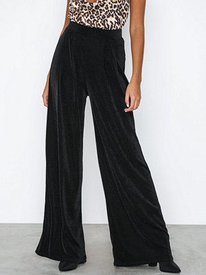 NLY Trend svarta byxor Glamorous Palazzo Pants Svart