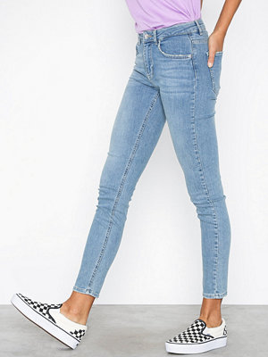 Gina Tricot Lisen midwaist jeans Mid Blue