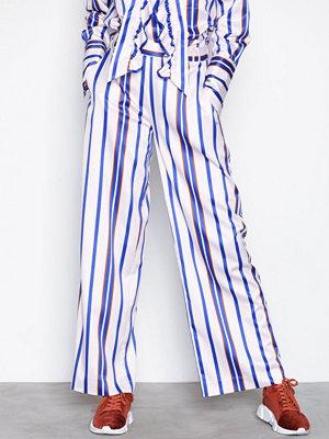 NORR vita randiga byxor Nadya pants Blue