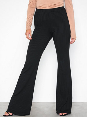 NLY Trend svarta byxor Rib Show Pants Svart