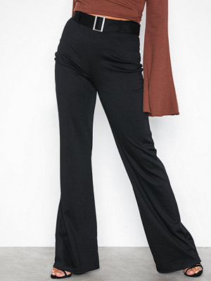 NLY Trend svarta byxor Belted Wide Pants Svart