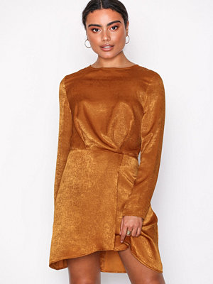 Missguided Long Sleeve Wrap Dress Brown