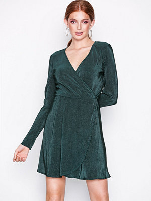 NLY Trend Pretty Pleats Dress Mörk Grön