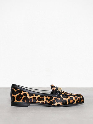 MICHAEL Michael Kors Paloma Loafer Natural