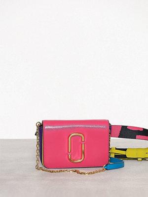 Marc Jacobs rosa axelväska Hip Shot Peony