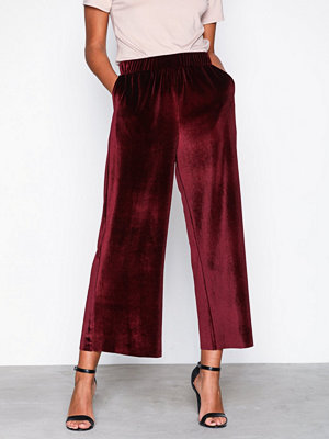 Dr. Denim vinröda byxor Abel Trousers Red Velvet