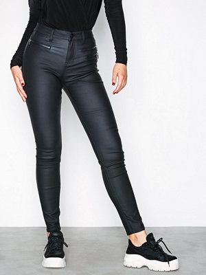 NLY Trend svarta byxor Detailed Coated Pants