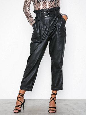 River Island svarta byxor PU Trousers Black