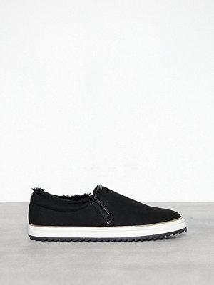 Sneakers & streetskor - River Island Fur Lined Pinapple Plimsoll Black