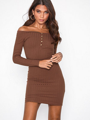 NLY Trend Sweetheart Rib Dress Brun