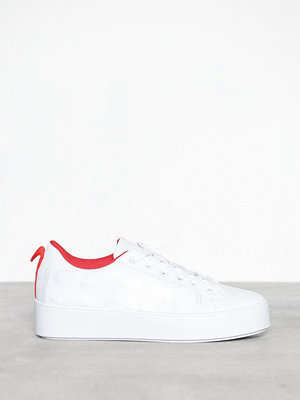 Sneakers & streetskor - River Island Lace Up Trainers White