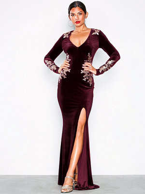 NLY Eve Decore Velvet Gown Burgundy