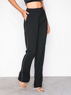 NLY Trend svarta byxor Slit Back Pants