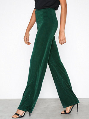 Missguided mörkgröna byxor Shiny Ribbed Trousers Green