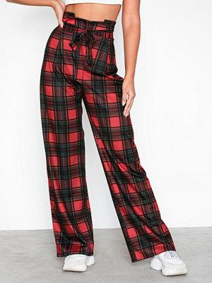 NLY Trend röda rutiga byxor Tartan Tie Pants